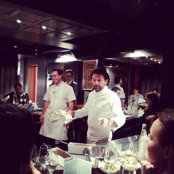 Table ronde restaurant in paris - Restaurant table ronde paris ...