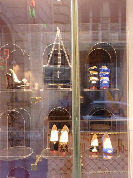 christian louboutin headquarter paris