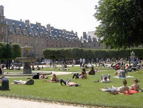 Place Des Vosges Paris Vosges Square