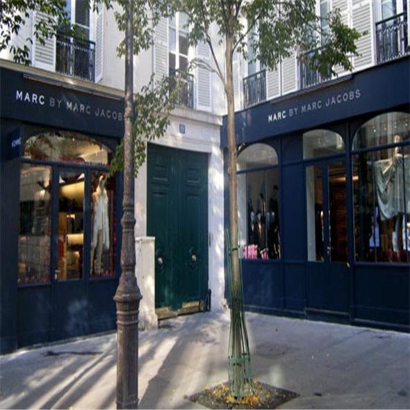 b81342bf15f7f  p Marc Jacobs - Paris  p