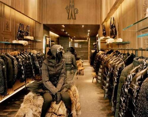 Moncler Shop In Paris France
